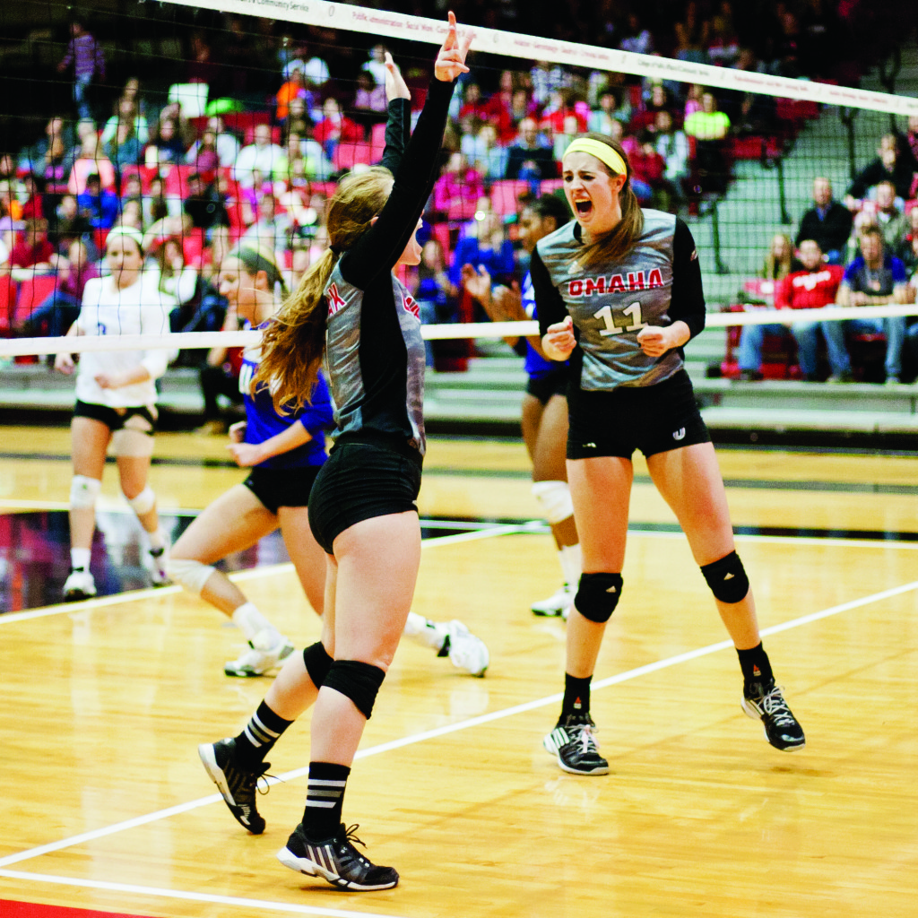 The Maverick Volleyball team dominated Western Illinois at the Sapp Fieldhouse on Friday