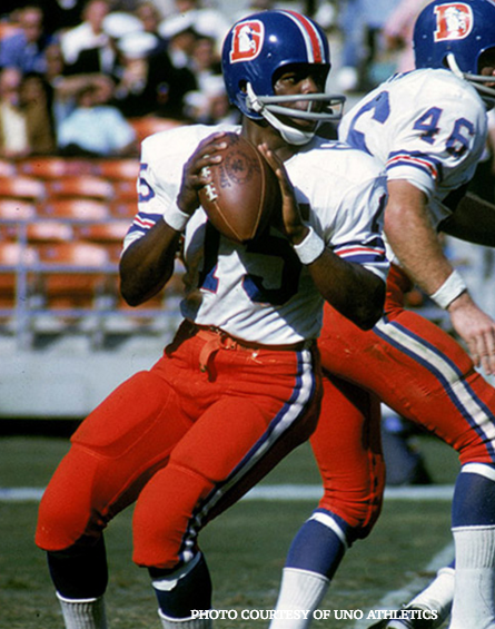 Briscoe made his debut for the Denver Broncos in 1968 and went on to break several rookie records.