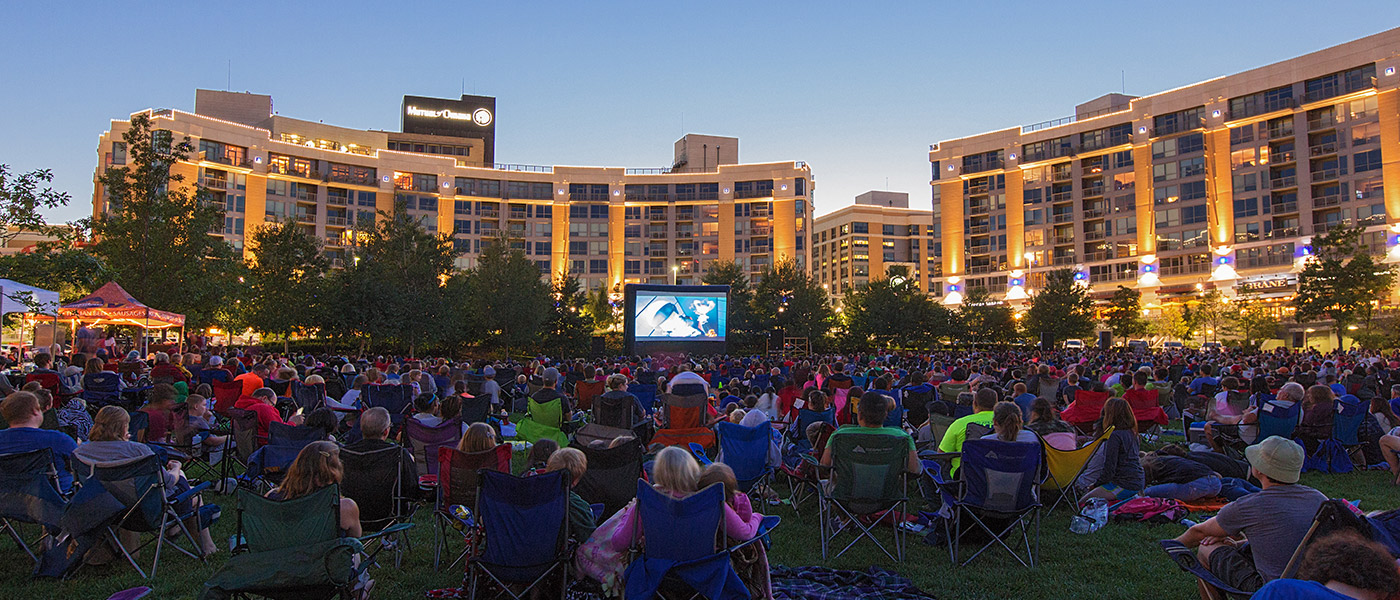 Midtown Crossing Events Omaha Events Things To Do In >> Uno To Sponsor Monday Night At The Movies At Midtown Crossing